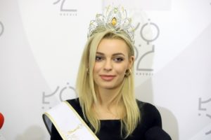 Kim jest Karolina Bielawska? [chłopak, Miss, Instagram]