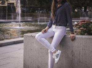 Białe spodnie stylizacja – dla kogo są odpowiednim wyborem?