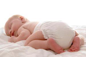 Zielona kupka u noworodka – co może oznaczać?