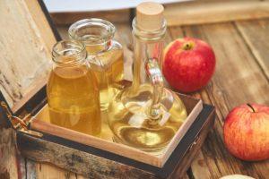 Czy wiesz jak zrobić ocet jabłkowy z obierek? Przekonajmy się