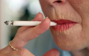 Czy wiesz czym są zmarszczki palacza?