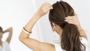 Czy warto stosować ocet jabłkowy na włosy?