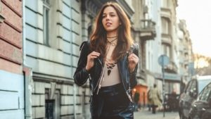 Skórzana spódnica stylizacje – jak poprawnie dobrać?